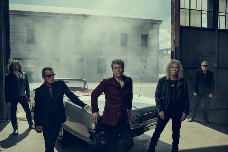 """Um ano após o último disco, o Bon Jovi lança novo álbum de inéditas, """"This Hous is Not For Sale"""""""