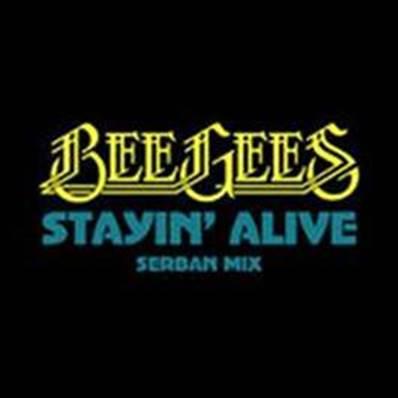"""Para marcar os 40 anos do filme """"Os Embalos de Sábado À Noite"""", foi lançada uma nova versão do clássico do Bee Gees """"Stayin' Alive"""". Veja como ficou"""