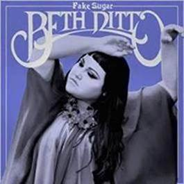 """Beth Ditto lança o single """"Fire"""", do seu novo álbum, """"Fake Sugar"""""""