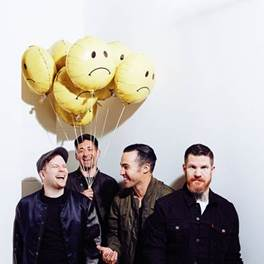 "Escalada para o Rock In Rio, Fall Out Boy divulga nova música, ""The Last Of The Real Ones"""