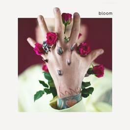 """Novo disco de Machine Gun Kelly, """"bloom"""", já está disponível para pré-venda. Fãs ganharam de presente a inédita """"Trap Paris"""". Ouça!"""