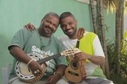 """Arlindo Cruz e Arlindo Neto lançam o EP """"2 Arlindos"""", projeto que une pai e filho no samba"""