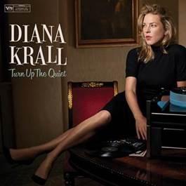 """A cantora e pianista canadense de jazz, Diana Krall, lança seu mais novo álbum. Conheça """"Turn Up The Quiet"""""""