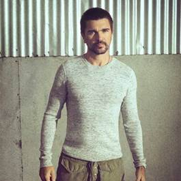 """Com mais de 1 milhão de visualizações no trailer de """"Mis Planes Son Amarte"""", Juanes inova e lança hoje seu primeiro álbum visual"""