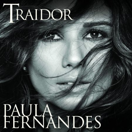 """Paula Fernandes lança o single e o clipe de """"Traidor"""", sua mais recente composição, que traz um ritmo com influências latinas"""