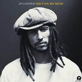 """Cantor britânico JP Cooper lança novo single. Ouça """"She's On My Mind""""!"""
