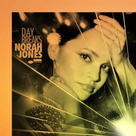 """O álbum """"Day Breaks"""" de Norah Jones ganha uma versão deluxe"""