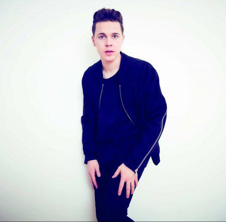 """DJ alemão Felix Jaehn lança """"Like A Riddle"""", primeiro single de """"I"""", seu novo álbum"""