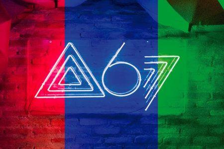 """Banda Atitude 67 estreia a websérie """"Casa 67"""" na VEVO, com o lançamento de dois episódios"""