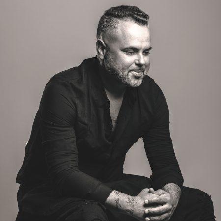 """Após o sucesso """"Bum Bum Tam Tam"""", o cantor Juan Magan lança hoje seu novo single, """"La Encantada"""""""