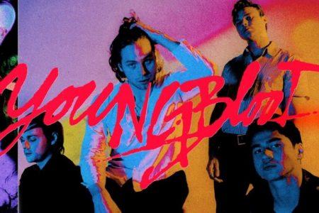 """Chega hoje às lojas e plataformas digitais o novo álbum da banda 5 Seconds Of Summer, """"Youngblood"""". Ouça Agora!"""
