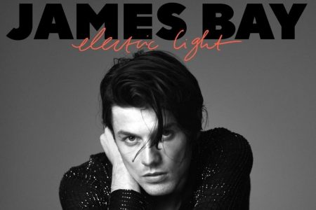 "James Bay lança hoje o novo álbum, ""Electric Light"", segundo da carreira"