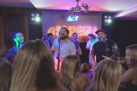 """O grupo Atitude 67, em parceria com o cantor Thiaguinho, lança o videoclipe de """"Saideira"""""""