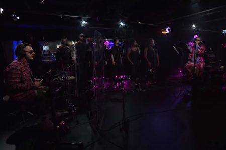"""Prestes a se apresentar no Brasil, Thirty Seconds To Mars apresenta o single multiplatinado """"Rescue Me"""", no BBC's Radio 1 Live Lounge. Assista!"""