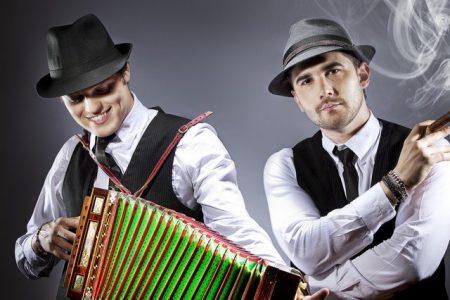 """El Baile apresenta o single e clipe de """"Hasta Que Se Va"""", em parceria com Loco Escrito"""
