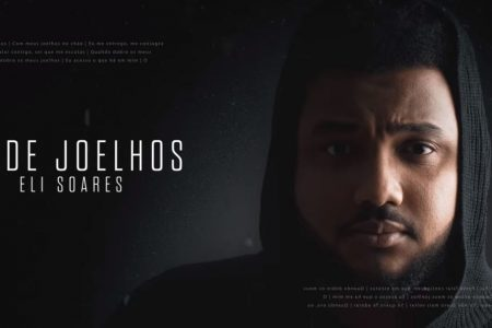 "O cantor e compositor Eli Soares disponibiliza o lyric video da canção ""De Joelhos"""