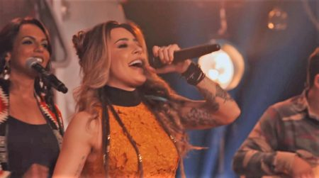 """A cantora Lauana Prado apresenta o primeiro vídeo de seu DVD """"Verdade"""""""