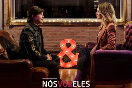 """Sandy e seu pai Xororó apresentam a música ao vivo """"Meu Disfarce"""", tema do sétimo episódio de """"Nós Voz Eles"""""""