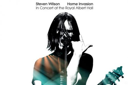 "Chega a todas as plataformas digitais o álbum ""Home Invasion: In Concert At The Royal Albert Hall"", do Steven Wilson"