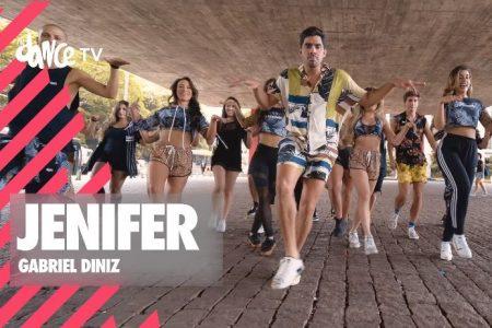 """Gabriel Diniz e FitDance acabam de lançar o vídeo de """"Jenifer"""", hit do cantor"""
