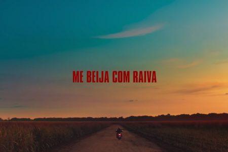 "Jão lança o videoclipe de ""Me Beija Com Raiva"""
