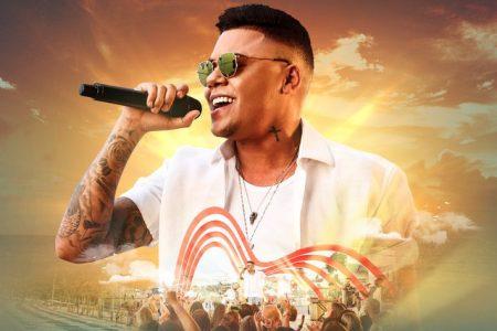 """O álbum """"Por Inteiro"""", do cantor Felipe Araújo, chega às plataformas digitais e principais lojas do país. Assista ao vídeo de """"Espaçosa Demais"""", sua nova música de trabalho"""