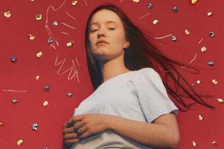 "Ouça ""Don't Feel Like Crying"", nova música da cantora Sigrid"