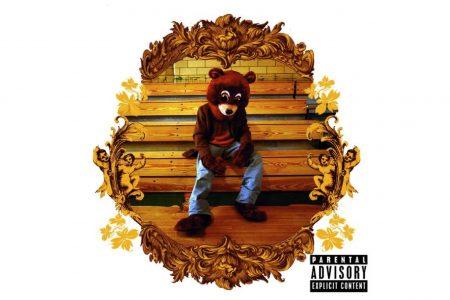 """The College Dropout"", álbum de estreia do Kanye West, acaba de completar 15 anos de lançamento. Relembre!"