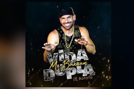 """CONHEÇA A NOVA MÚSICA DE MC BOCKAUM, """"VIDA DUPLA"""", COM A COLABORAÇÃO DO DJ BATATA. ASSISTA TAMBÉM AO VIDEOCLIPE"""