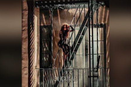 """SABRINA CARPENTER DISPONIBILIZA A PRÉ-VENDA DE SEU NOVO ÁLBUM, """"SINGULAR ACT 2"""". OUÇA A FAIXA """"IN MY BED"""""""