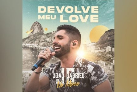 "JOÃO GABRIEL APRESENTA A MÚSICA ""DEVOLVE MEU LOVE"". O VIDEOCLIPE TAMBÉM JÁ ESTÁ DISPONÍVEL"