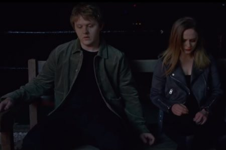 "ASSISTA AO NOVO DO VIDEOCLIPE DE ""SOMEONE YOU LOVED"", DE LEWIS CAPALDI. OUÇA TAMBÉM AO EP ""UP NEXT LIVE FROM APPLE CHAMPS-ÉLYSÉES"" COM EXCLUSIVIDADE NA APPLE MUSIC"