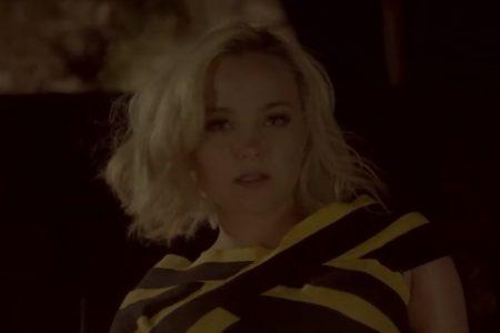 "MAYRA DISPONIBILIZA O VIDEOCLIPE DE SEU MAIS RECENTE SINGLE, ""LOOKING FOR YOU"""