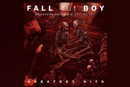 "CHEGA A TODAS AS PLATAFORMAS DIGITAIS O ÁLBUM ""GREATEST HITS: BELIVERS NEVER DIE"", DO FALL OUT BOYS"