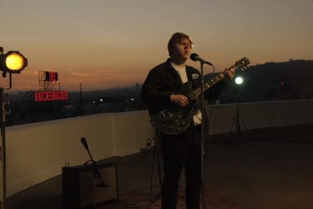 "ASSISTA AO VÍDEO DE ""BEFORE YOU GO (LIVE FROM THE CAPITOL ROOFTOP)"", DE LEWIS CAPALDI"