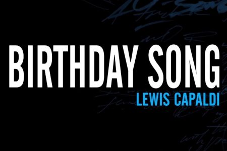 "ASSISTA À PERFORMANCE DE LEWIS CAPALDI NO YOUTUBE ORIGINALS, COM ""BIRTHDAY SONG"""