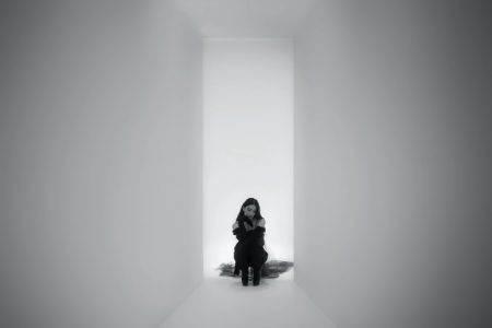 "HAILEE STAINFELD DISPONIBILIZA O VIDEOCLIPE DE SEU NOVO SINGLE, ""I LOVE YOU´S"". ASSISTA AGORA!"