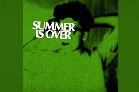 """OUÇA """"SUMMER IS OVER"""", NOVA MÚSICA DE ALEC WIGDAHL"""