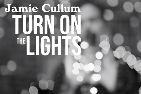 "O VIDEOCLIPE DE ""TURN ON THE LIGHTS"", NOVA CANÇÃO DE JAMIE CULLUM, JÁ PODE SER VISTO"