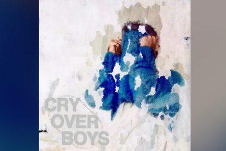 """ALEXANDER 23 APRESENTA SEU NOVO SINGLE, """"CRY OVER BOYS"""". ASSISTA TAMBÉM AO VIDEOCLIPE"""