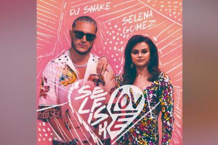 """DJ SNAKE E SELENA GOMEZ UNEM FORÇAS NOVAMENTE EM """"SELFISH LOVE"""", JÁ DISPONÍVEL"""