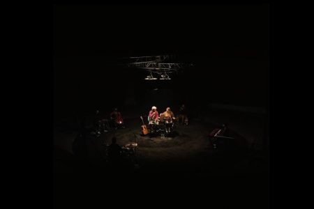 "JEREMY ZUCKER & CHELSEA CUTLER APRESENTAM O EP COLABORATIVO ""BRENT: LIVE FROM THE INTERNET"""